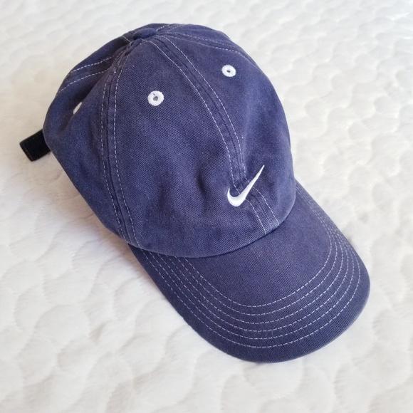38e00fdbb66 Nike baseball hat adjustable cap navy swoosh logo.  M 5b8c491ac61777d05ec875a7